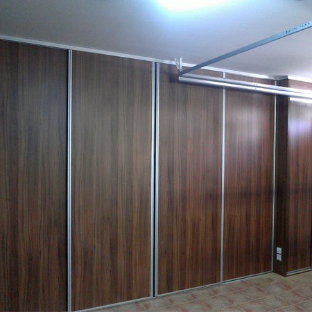 armario frente puertas correderas