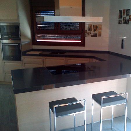 cocina con mostrador integrado