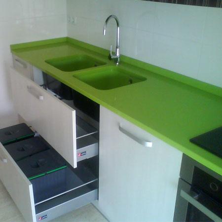 Fregadero mismo color encimera - Amueblamiento de cocinas ...