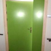 puerta melamina verde