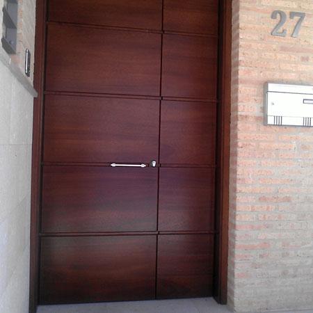 Puerta panel horizontal - Puertas para exterior ...