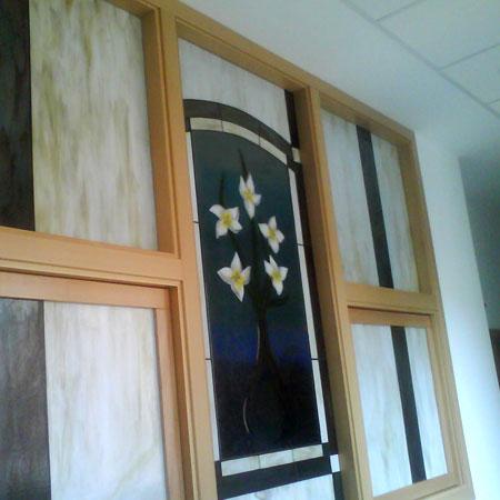 ventanal con vidrieras