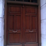 puerta estilo clásico