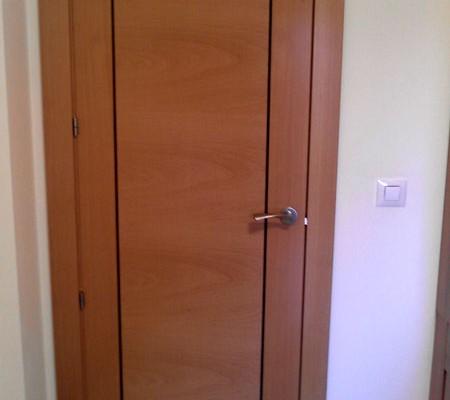 puerta con grecas
