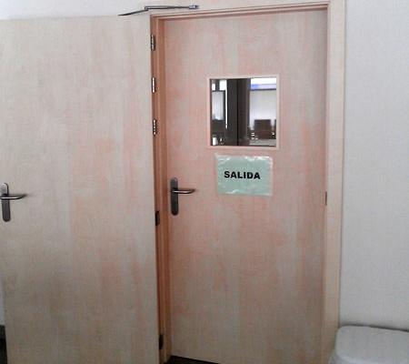 puerta doble apertura