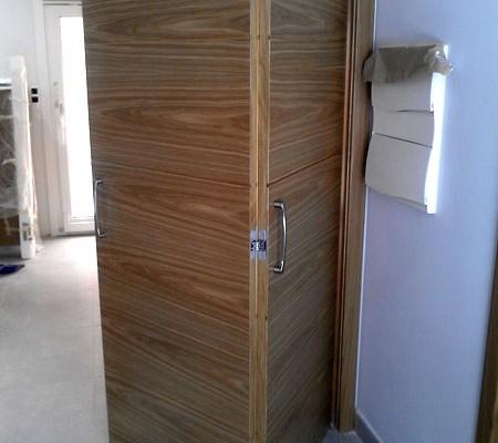 puerta plegable veta horizontal