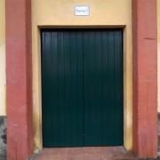 puerta de acceso al coso taurino